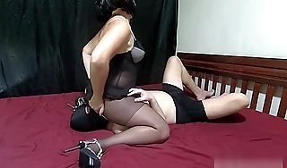 Mistress Lusinda stunning facesitting with an increment of ass licking