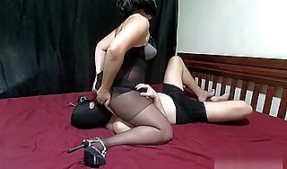 Mistress Lusinda amazing facesitting increased by pain in the neck licking
