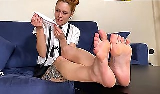 Redhead schoolgirl stinky socks increased by feet for you to taste