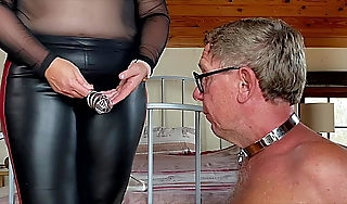 Dominatrix Lint April ndash Slaversquos Morning Duties